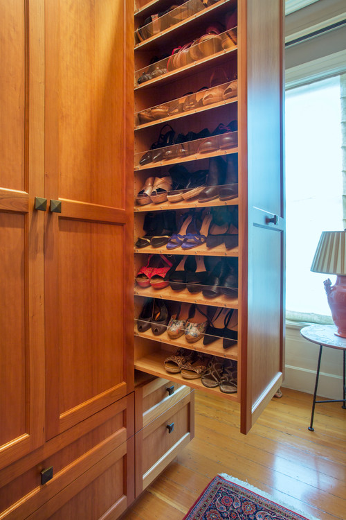 Photo by Margot Hartford Photography - Discover closet design ideas ff2ecaf970