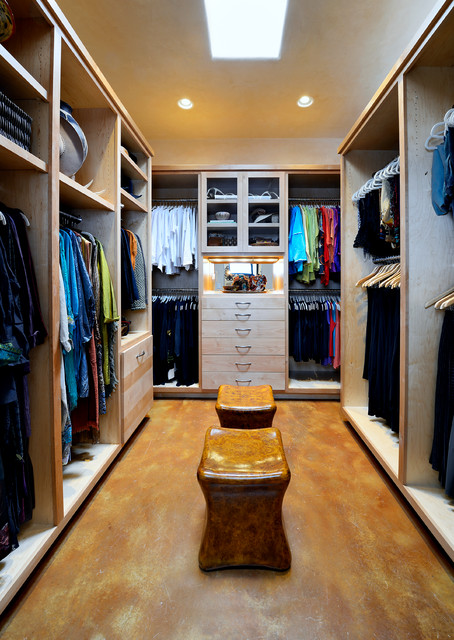 Example Of A Large Classic Womenu0027s Concrete Floor Dressing Room Design In  Dallas With Flat