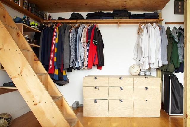 scandinavian closet. Black Bedroom Furniture Sets. Home Design Ideas