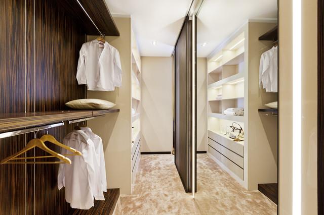 Shape of Art Deco contemporary-closet