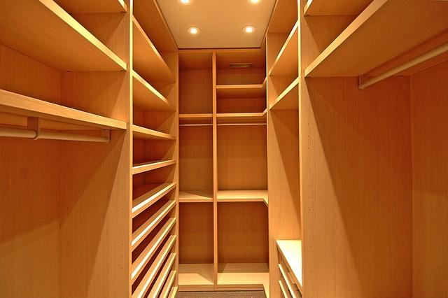 Sierra Mar 2 contemporary-closet