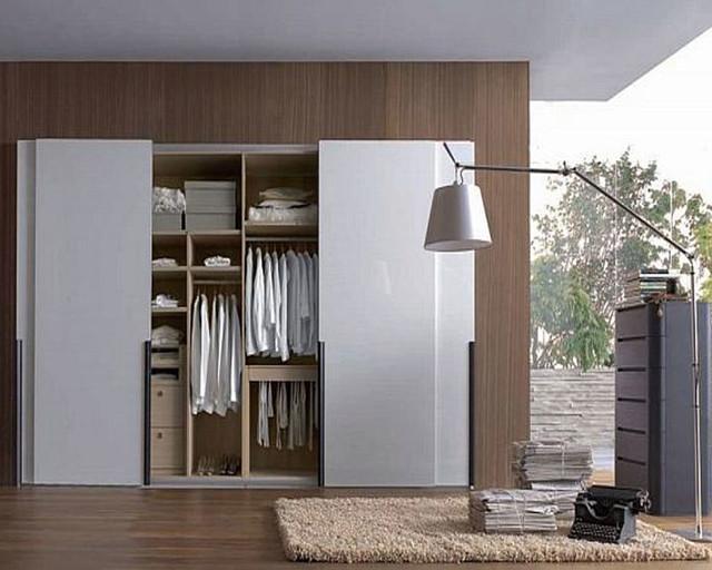 _sliding doors contemporary-closet