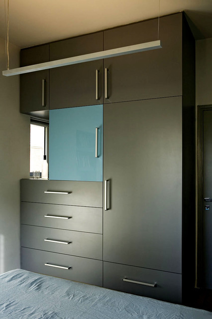Small Bachelor Apartment contemporary wardrobe  Small Bachelor Apartment  Contemporary Wardrobe Tel Aviv by. Wardrobe For Small Rooms