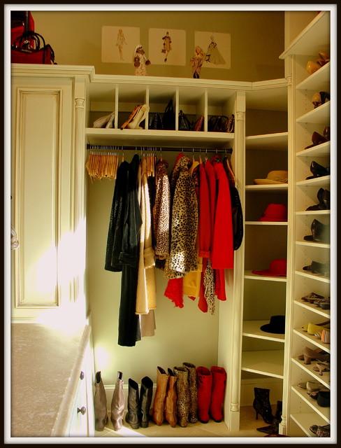 Smyth Closet for a Princess traditional-closet