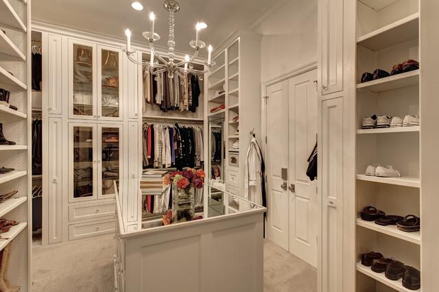 Southlake Transitional traditional-closet