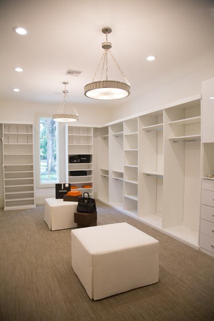Spectacular master bedroom closets modern closet los for Closet design los angeles