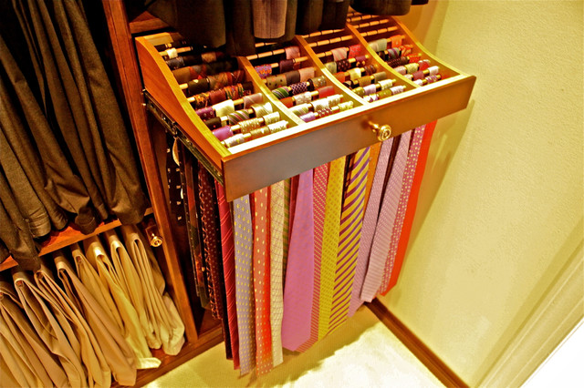 Stain Grade Master Walk In Closets His And Hers Traditional Wardrobe
