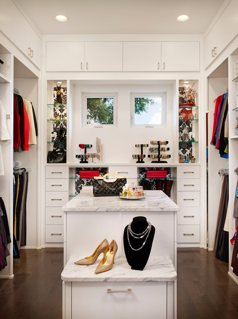 Steiner Ranch Residence contemporary-closet