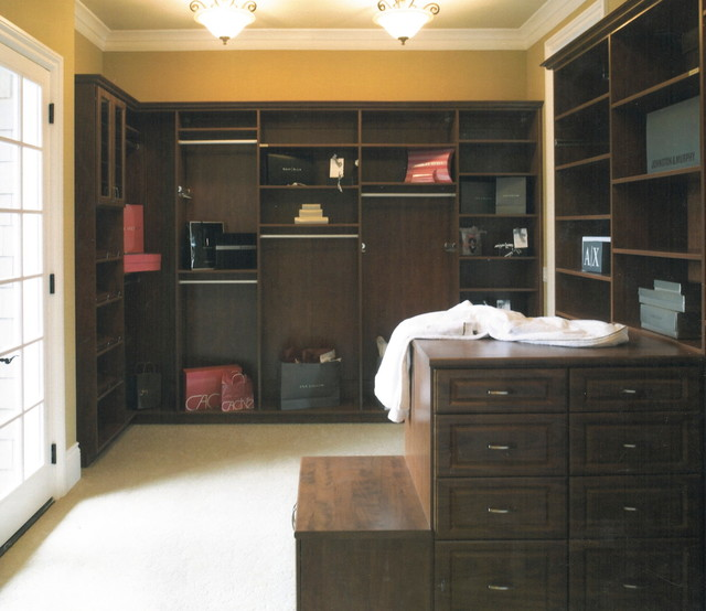 Street of Dreams traditional-closet