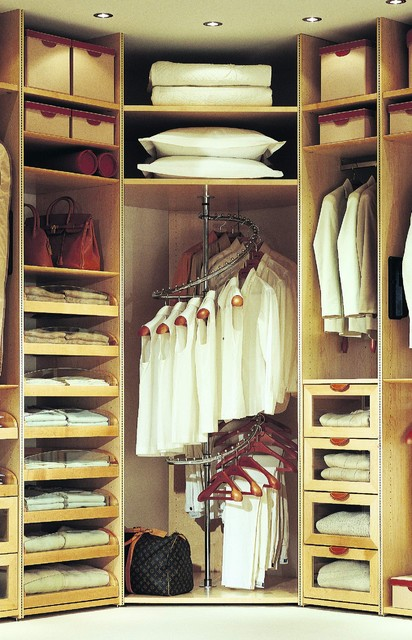 Studio Becker contemporary closet