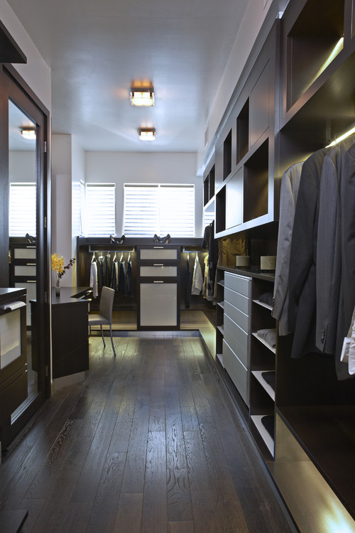 The Boutique Closet contemporary closet