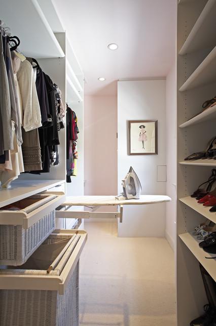 The Classic White Closet - Hancock Park, CA Residence modern-ankleidezimmer