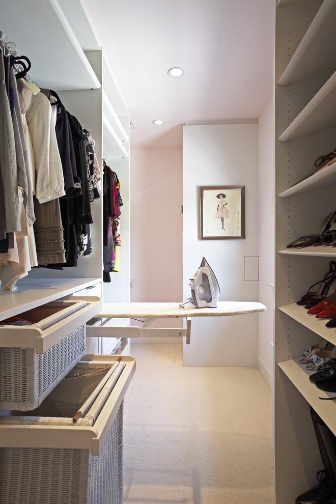 Walk-in closet - contemporary walk-in closet idea in Los Angeles