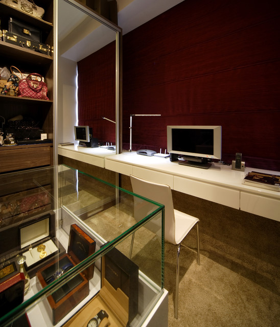 The Metz contemporary-closet