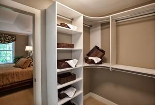 Modern THG Closet
