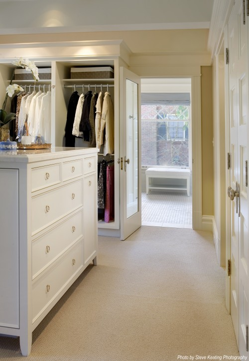 The home happiness blog walk in closets for Master bathroom closet design ideas