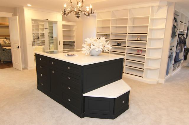 Tuxedo Dressing Room - Minimalistisch - Ankleidezimmer - Los ...