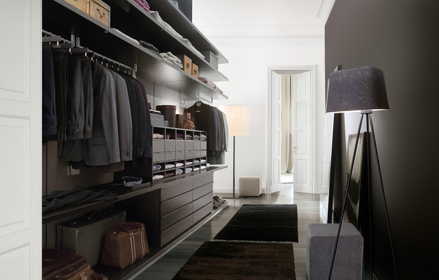 Ubik Walk-In Closet contemporary closet
