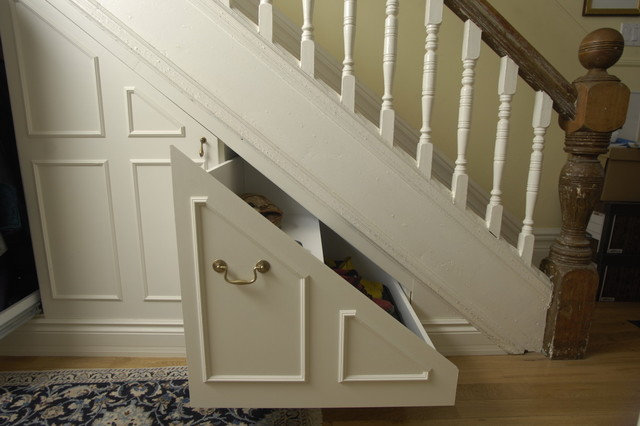 Under stair storage traditional closet toronto by for Understairs storage
