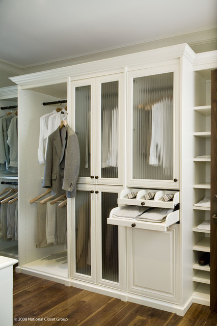 Large Elegant Gender Neutral Medium Tone Wood Floor And Brown Floor Walk In  Closet