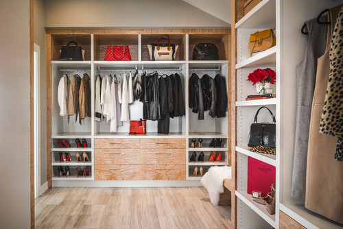 Contemporary Closet by Victoria Interior Designers & Decorators KM Interior Designs