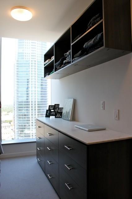 W Master Closet modern-closet