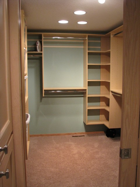 Walk-in bedroom closets (maple) traditional-closet