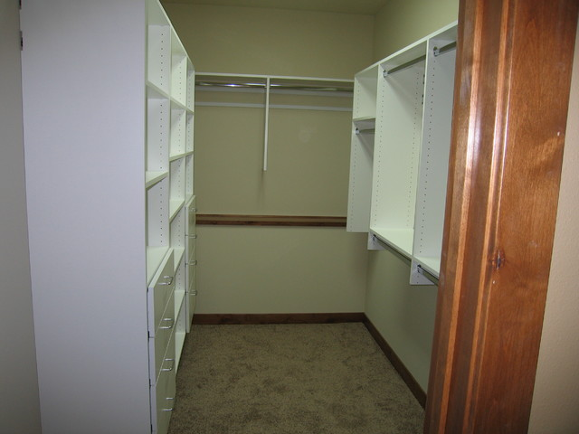 Walk-in bedroom closets (white) traditional-closet