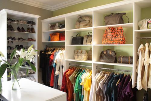 walk-in closet contemporary-closet