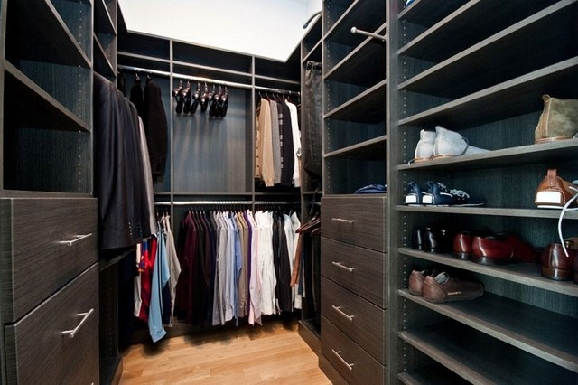 Walk in closet contemporary closet chicago by for Modern walk in closets