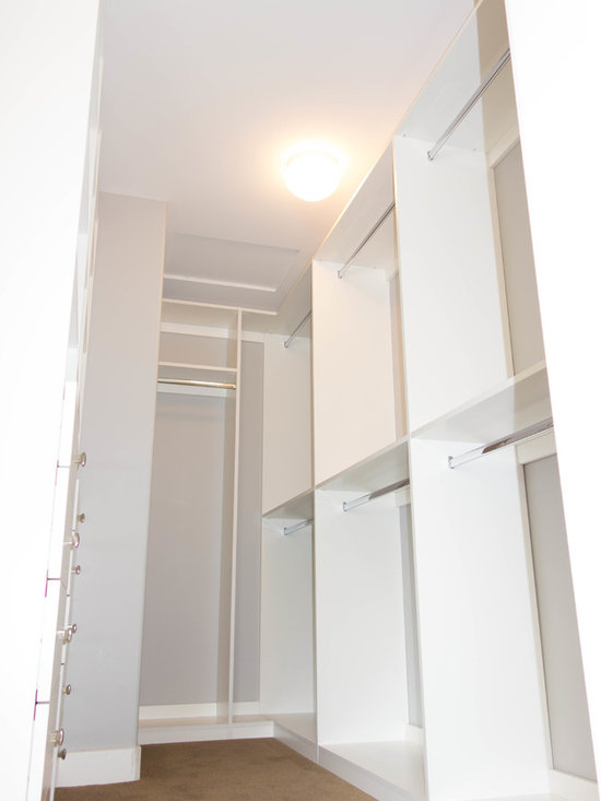 Mid-Sized Walk In Storage and Closet Design Ideas, Pictures, Remodel ...