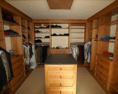 Walk-in Closet traditional-closet
