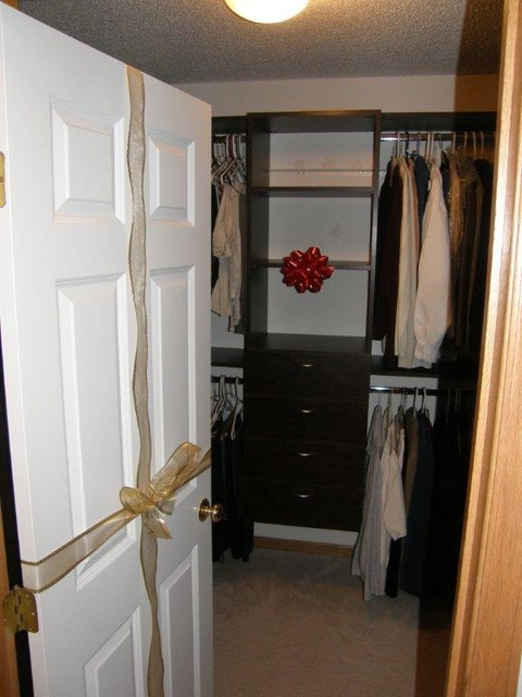 Walk-In Closets traditional-closet