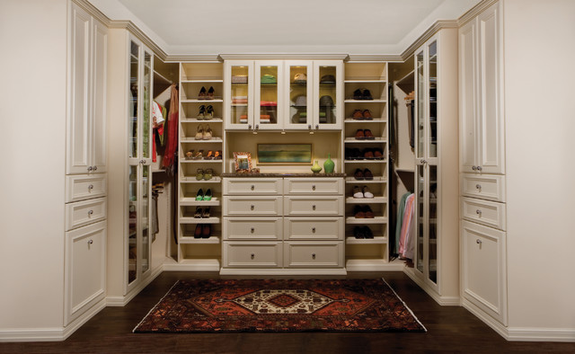 Walk In Closet Traditional Closet New York By