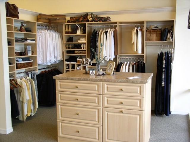 Walk In Closet With Island American Traditional Wardrobe