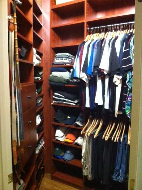 WALK-IN CLOSETS transitional-closet