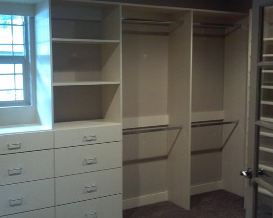 Mid Sized Walk In Storage And Closet Design Ideas Pictures Remodel