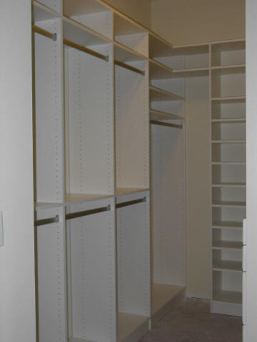 Walk in Closets traditional-closet