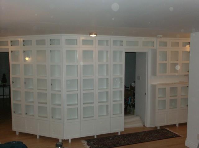 Wall Unit traditional-closet