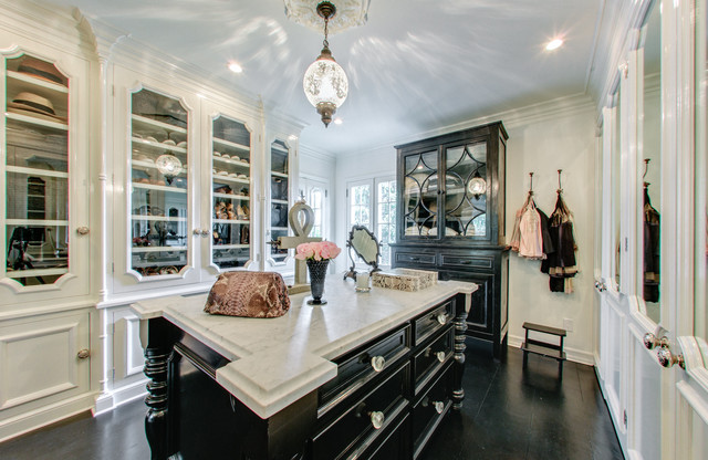 West Hollywood In Black And White Traditional Closet