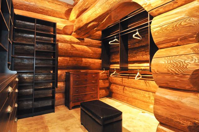 Western Red Cedar Ranch Style Log Home Rustic Closet