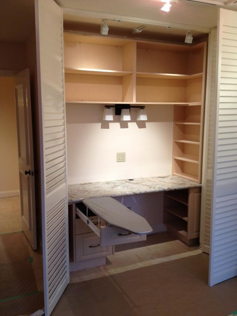 Xqzet - Traditional - Closet - Toronto - by Exquisite Kitchens & Vanities Inc.