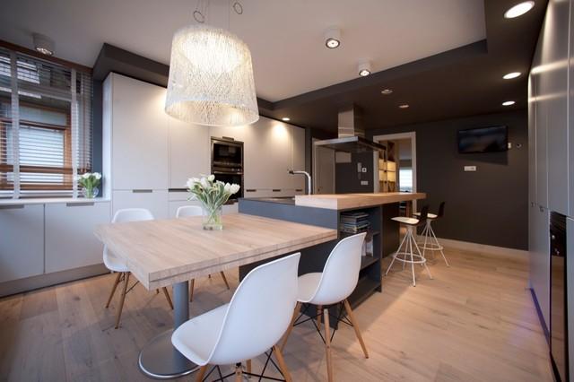 Dise o interior de casa con gran cocina contempor neo Decoracion de casas contemporaneas