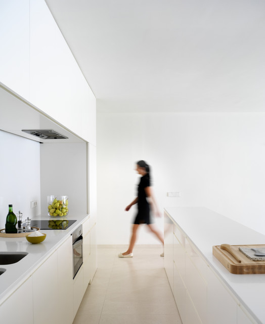 House on the castle mountainside - Modern - Kitchen - Valencia - by ...