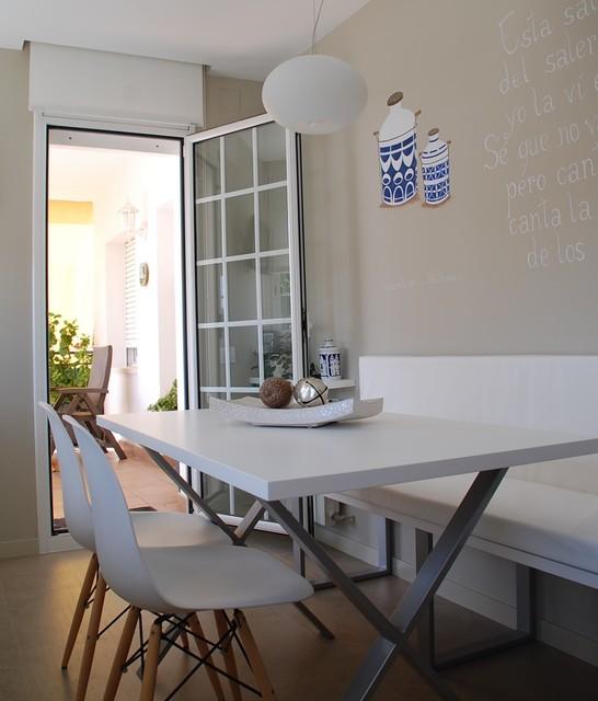 Mesa de cocina con banco a medida - Moderno - Cocina - Barcelona ...