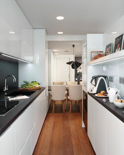 Tu cocina es larga y estrecha? 10 trucos para una buena ...