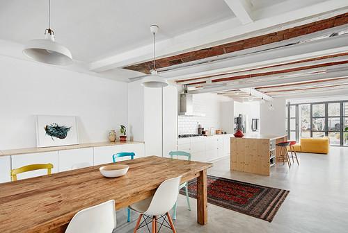 Casa unifamiliar de estilo industrial