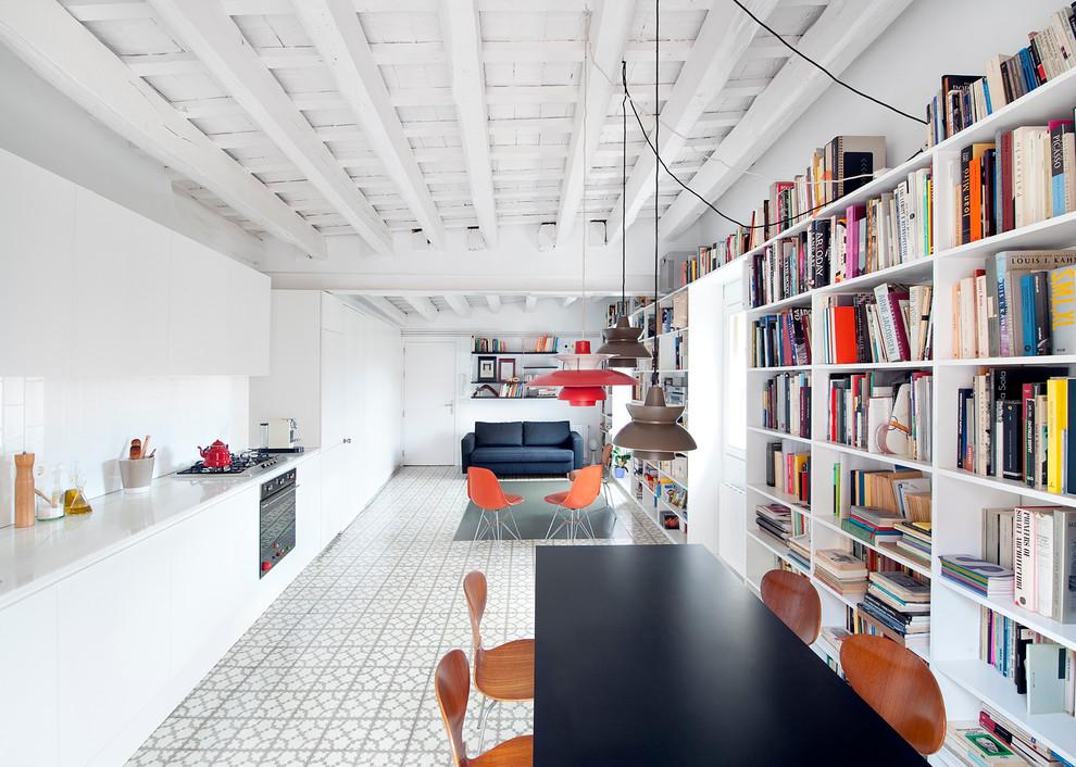 Imagen de comedor contemporáneo, grande, abierto, sin chimenea, con paredes blancas y suelo de baldosas de cerámica