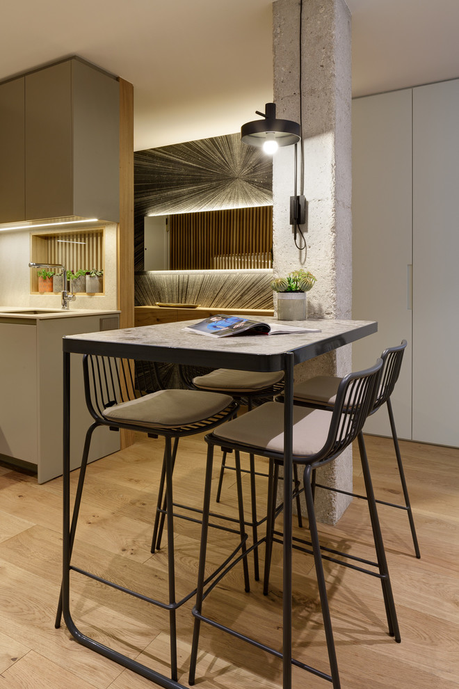 Inspiration for a contemporary dining room remodel in Alicante-Costa Blanca
