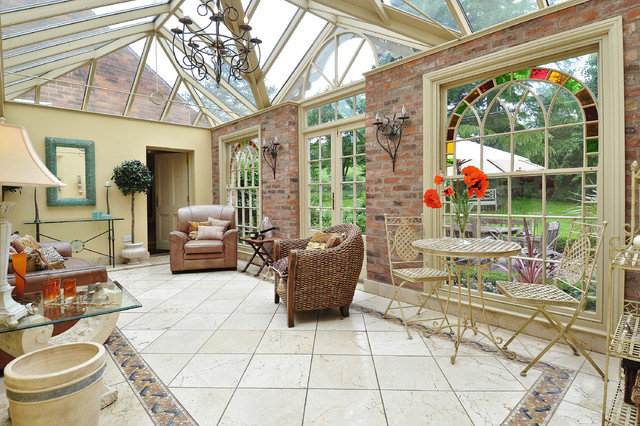 A victorian house for Victorian sunroom